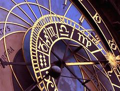 prag orloj (Pixmac_de) Tags: city black rot clock 1 czech violet prag historical blau argentique azur azurblau anzeichen hellrot tierzeichen