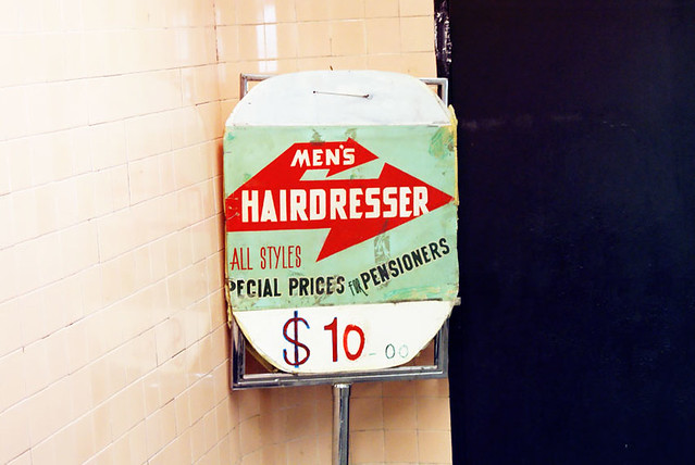 Handsome man with $ 10 Men's Hairdresser