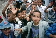 Jemen (Okt. 02) (Syydehaas) Tags: trekking saba chat asia asien desert native islam mosque arab tarim yemen sanaa tribe ethnic ibb cultural kath wste aden haraz khat salz hadramaut shibam arabien araber moschee mukalla abenteuer arwa jemen marib thulla wadidoan taizz djambia thila hajarah shabwa rubalkali babaljemen jemenit schibam dschambija krummdolch weihrauchstrasse menaacha habbaba bokur kaukaban hotaib sajun ismailit sdarabien sejuhn arshbilgies hadschara dschiblah alsaratgebirge dschol wadidarr almachwit ramlatassabathyn highflyer261 syydehaas