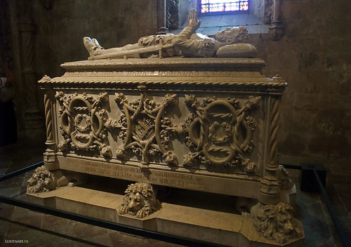 Tumulo de Luis de Camões