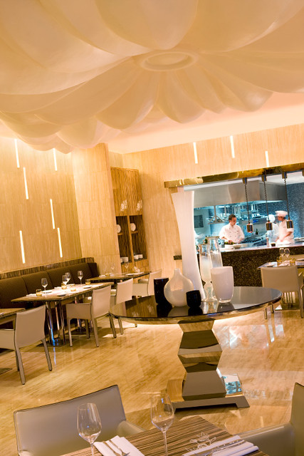 La Tavola-Italian Restaurant (2)-1.jpg