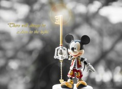 Key to Light (kristian.eric) Tags: color hearts toy mouse king play action arts kingdom mickey figure squareenix figurine selective keyblade squaresoft d90 krism 18105mm keybearer kristianm kristianeric