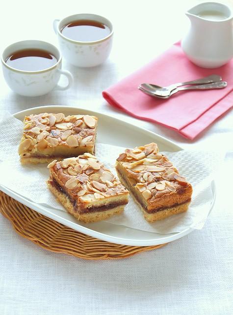 Bakewell slice / Barrinhas Bakewell (barrinhas de geléia e amêndoa)