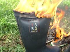 DSC00188 (sim_hom) Tags: burning wellies aigle