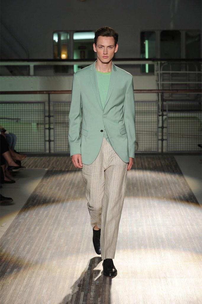 Jakob Hybholt3882_SS12 Milan Gazzarrini(Homme Model)