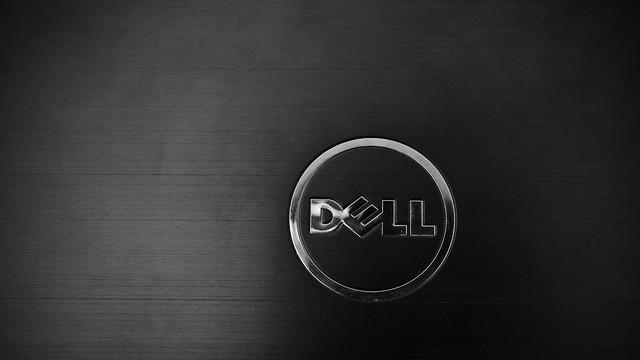 DELL XPS 8300がなんと24インチ液晶へのアップグレードが無料!