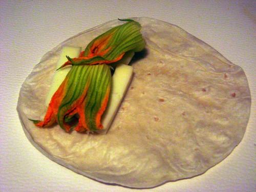 flor de calabaza quesadilla prep 2