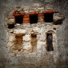 pozos:  abandoned silver mine / wheel house detail 1 (msdonnalee) Tags: abandoned silver mexico decay ruin pozos mexique guanajuato mexiko messico mineraldepozos  colossussilvermine
