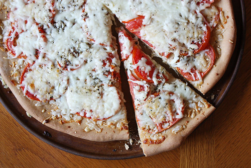 tomato pizza pie.