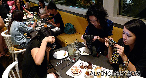 You know you are dining with bloggers when the first thing they do is to snap photos when the food arrives!