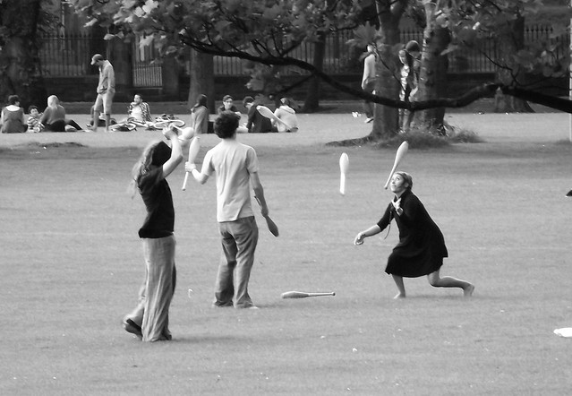 juggling in the Meadows 02