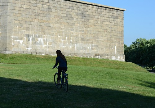 Pilen Bicycle, Castle Island