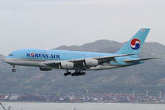 "Airbus, A380-861, HL7612, ""Korean Air"" (Daryl Chapman's - Automotive Photography) Tags: blue canon giant hongkong eos large landing 7d airbus a380 ke clk koreanair 100400l vhhh 25r a380861"