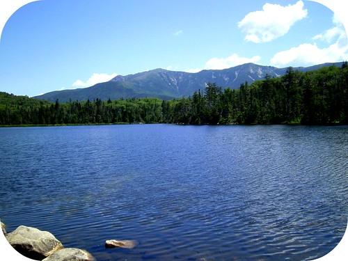 Lonesome Lake at the foot of the North Kinsman peak