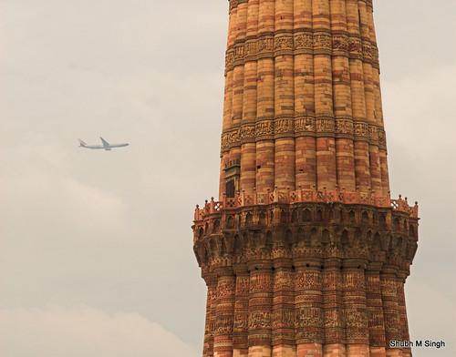 Qutub Minar by Shubh M Singh