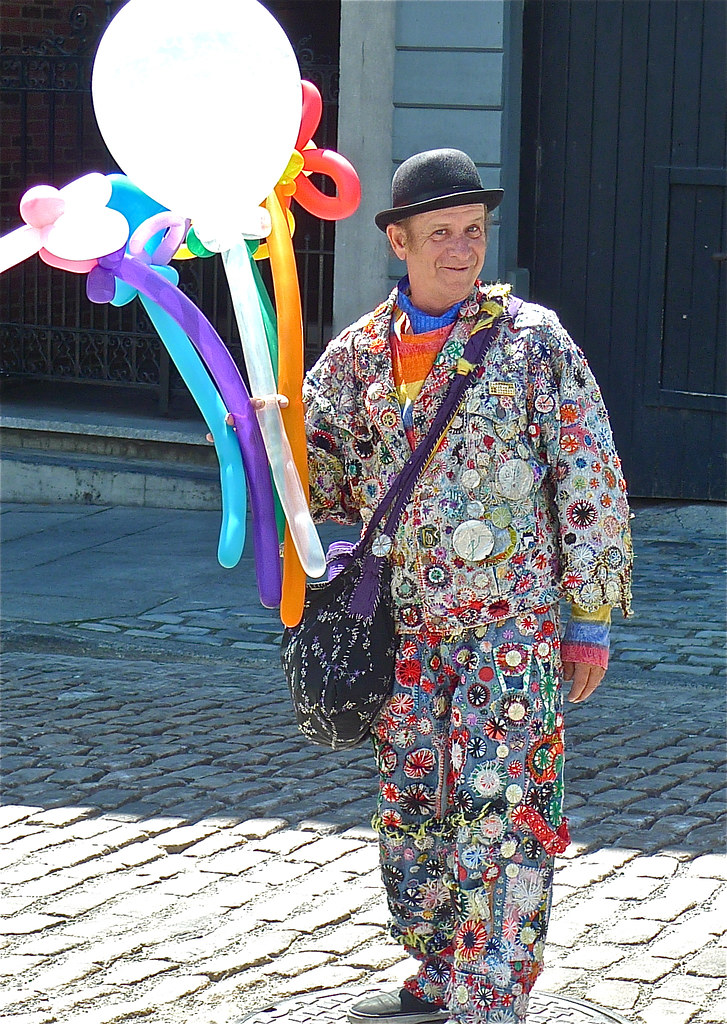 Copyright Photo: Old Montreal - The Balloon Man by Montreal Photo Daily, on Flickr