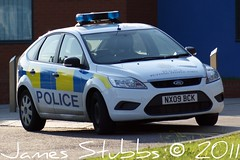 NX09BCK Cleveland Police Ford Focus (Bolckow) Tags: blue focus sony cleveland police law dslr middlesbrough 999 bluelights clevelandpolice a390 nx09bck