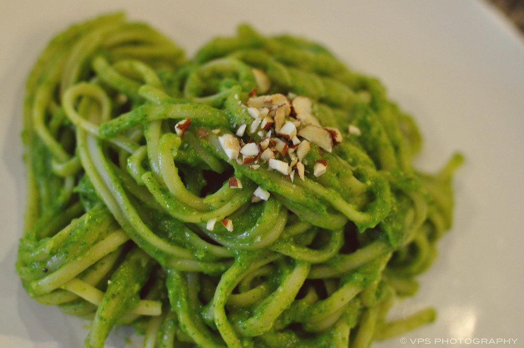 Linguine with Avocado and Arugula Pesto