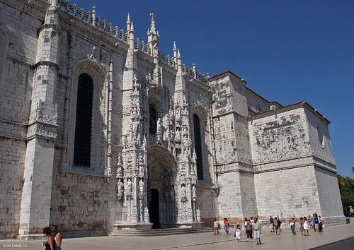 Porta sul, obra prima do Gótico Tardio