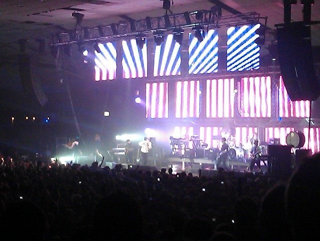 Pulp singing Common People