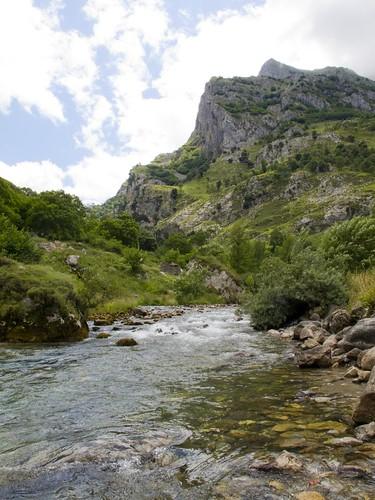 Caín río