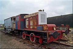 Hibberd 0-4-0DM No. 3271 Walrus (PaulHP) Tags: road station train diesel no centre buckinghamshire engine railway steam locomotive bucks walrus quainton hibberd 3271 040dm