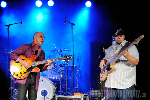 Larry Carlton Trio