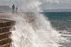 think we're gonna get wet son! (sidpixel) Tags: ocean waves dorset cobb lymeregis stormyseas
