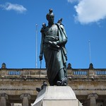 "Simon Bolivar (with Pigeons) <a style=""margin-left:10px; font-size:0.8em;"" href=""http://www.flickr.com/photos/14315427@N00/5923978332/"" target=""_blank"">@flickr</a>"