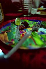 Plato (Rick9444) Tags: food green film glass metal méxico night silver mexico iso100 noche nikon blackberry dish image kodak scanner comida fork spoon iso plastic cocina eat negative pooh automatic scanned roll 100 f3 24mm plastico comer nikkor winnie plato negatives canoscan f28 vaso toluca estado rollo plateado metepec 8400f
