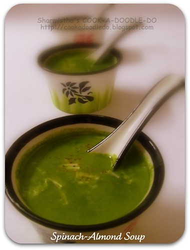 Spinach-Almond Soup