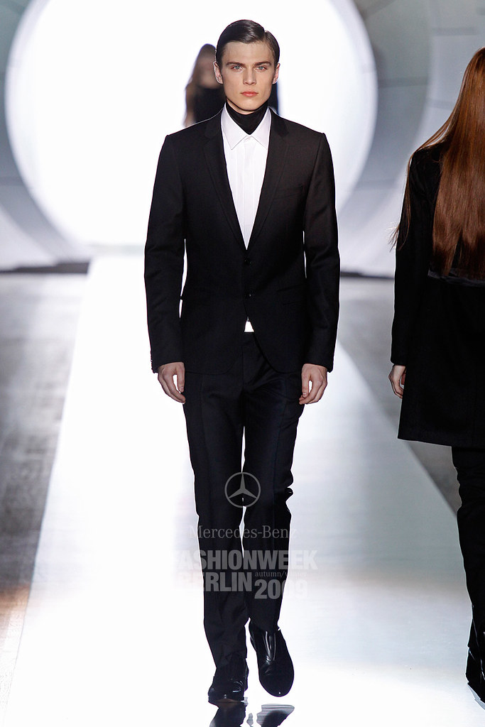 Enrico Petzold3046_FW09 Berlin JOOP(Mercedes-Benz Fashion Week)