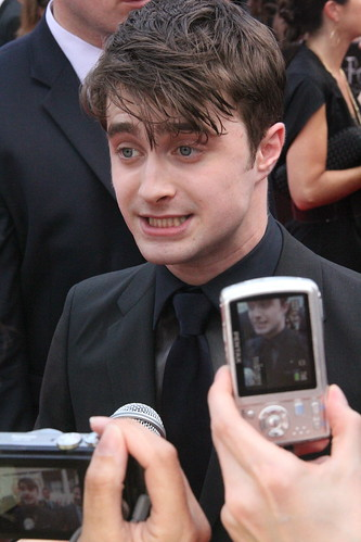Daniel Radcliffe. Harry Potter goes homosexual. Glee's lesbian finally comes ...