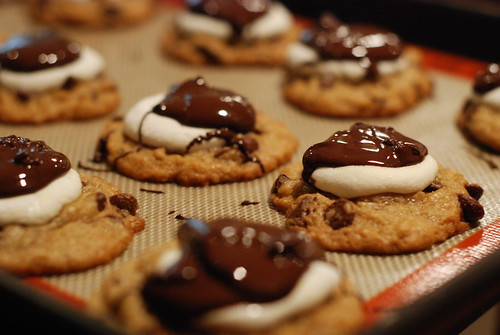 cookies smores (Photo: Three Peanuts on Flickr)