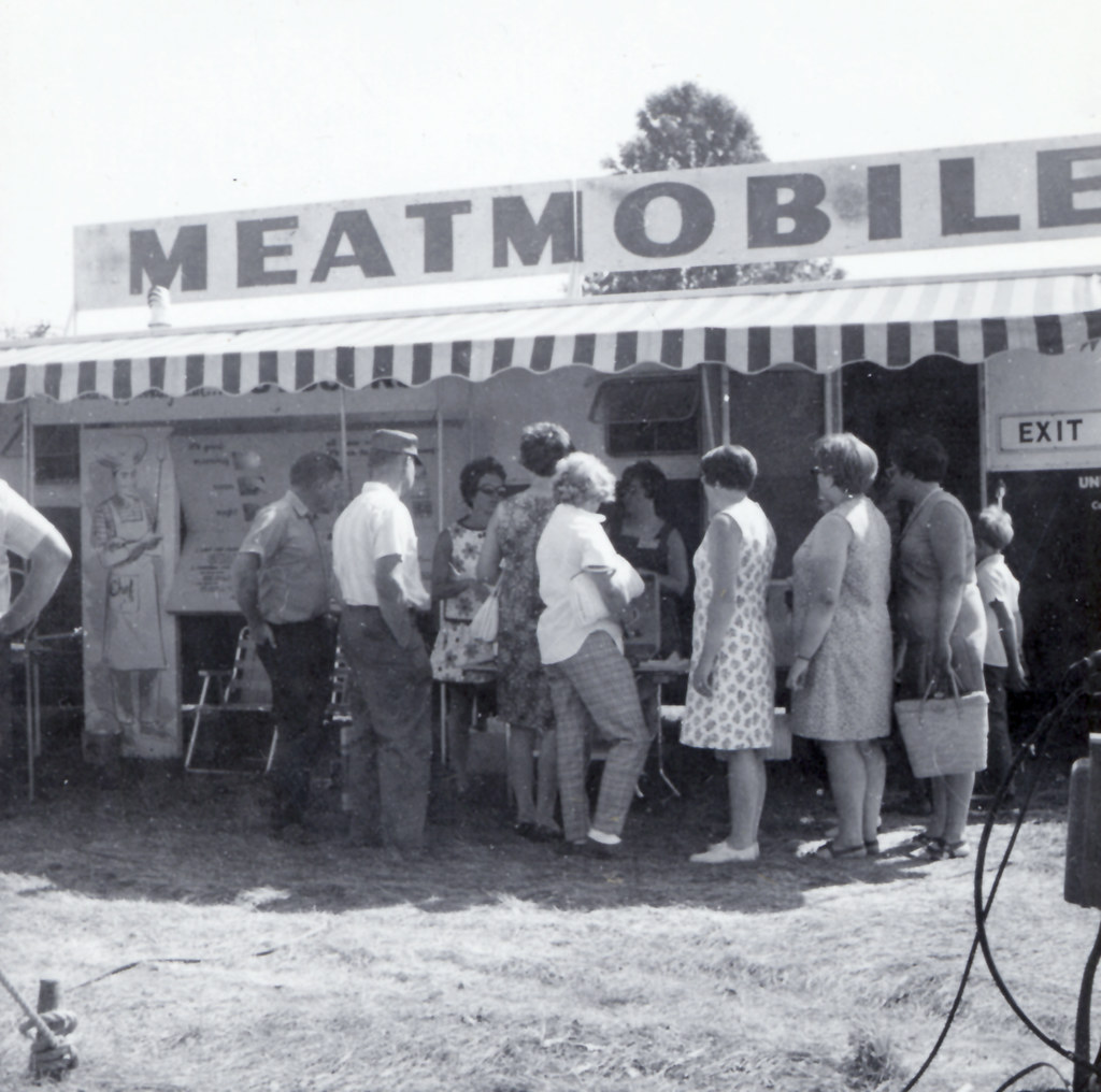 Fair-goers enjoy the Meat Mobile!