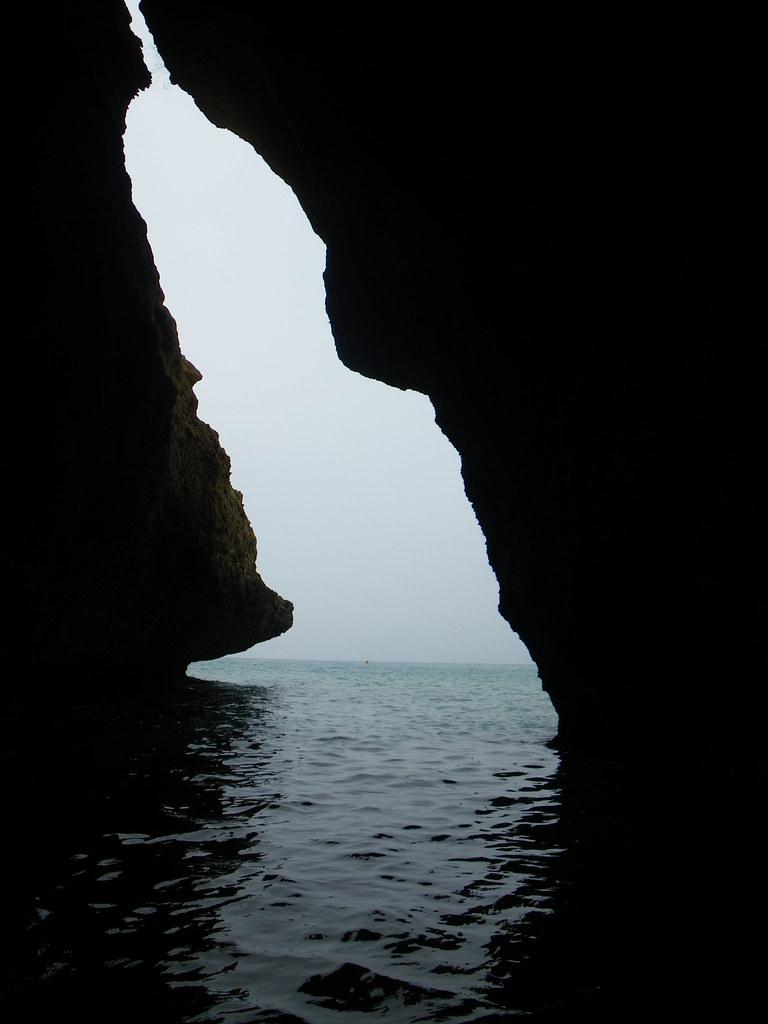 Cueva en el Cabo mde la Mora.