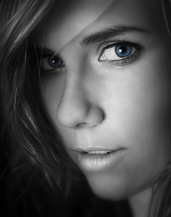 Francesca - Keying (Neptoos) Tags: blue portrait white black girl eyes retouched greyscale keying