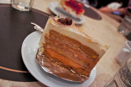 Cha-Yen Cake