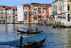 Sotto Rialto (Renzo Ferrante) Tags: venice boat nikon italia sailing gondola venezia sotto rialto d60 2011 renzoferrante