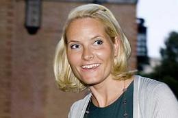 mature blonde norwegian blowjob