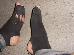 Skms (lasseman92) Tags: broken stockings socks out big sock toe hole bad holes holy odd terrible worn torn heel cry trasig hobo hollow ragged tattered wornout holey inherited hl froozen coold t holysock strumpa luffar sockholes strumphl utslitna