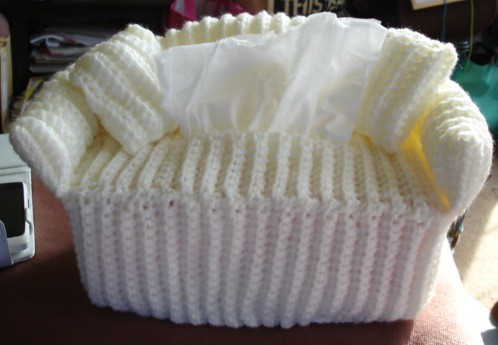 FREE KNITTING PATTERN TISSUE BOX COVER - VERY SIMPLE FREE ...