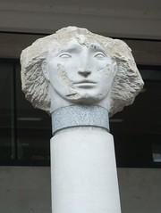 statue head by St Paul's