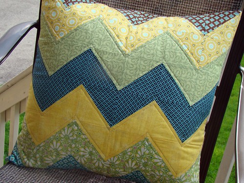 Quilted Zig Zag Pillow