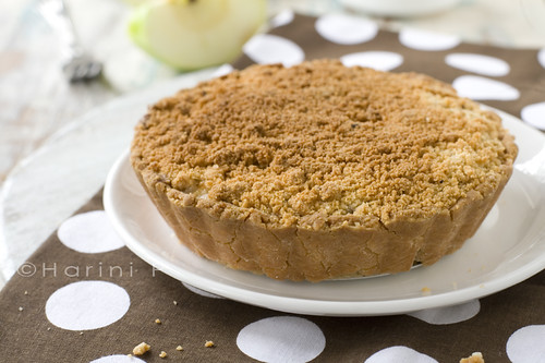 Vegan, gluten free, apple crumble pie