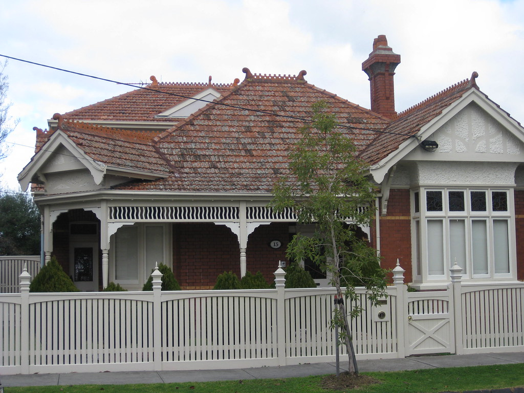 A Large Queen Anne Style Villa - Moonee Ponds