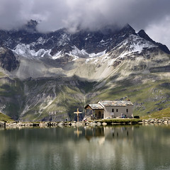 "Schwarzsee, Kapelle ""Maria zum Schnee"" - 1 (pierre hanquin) Tags: light summer cloud lake snow mountains alps color nature water colors berg clouds montagne alpes reflections landscape geotagged schweiz switzerland nikon eau europa europe suisse pierre swiss lac getty neige zermatt matterhorn helvetia svizzera nuage nuages paysage mountainlake landschaft wallis lepetitprince ch valais montagnes cervin cervino d90 1685 naturepoetry 1685mmf3556gvr imagesforthelittleprince bestcapturesaoi magicunicornverybest magicunicornmasterpiece hanquin"