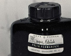 super Quink, 1991 (Ivan Jernimo) Tags: bw black film glass nova vidro ink kodak scanner trix super pb preto scanned predigital pan filme stationery parker pote escaneado  papelaria  quink plustek   7600i