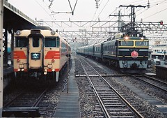 名鉄8000系北アルプス EF81103トワイライト 富山 (OOMYV) Tags: sidebyside japanese rail train 並び jrwest ef81103 ef81 103 meitetsu meitetsu8000 toyama