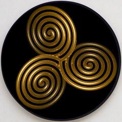 Triskel spiral (Marco Braun) Tags: art circle spiral gold golden symbol or celtic signe spirale cercle zeichen kreis triskele keltisch celtique triskel spirali kunsr
